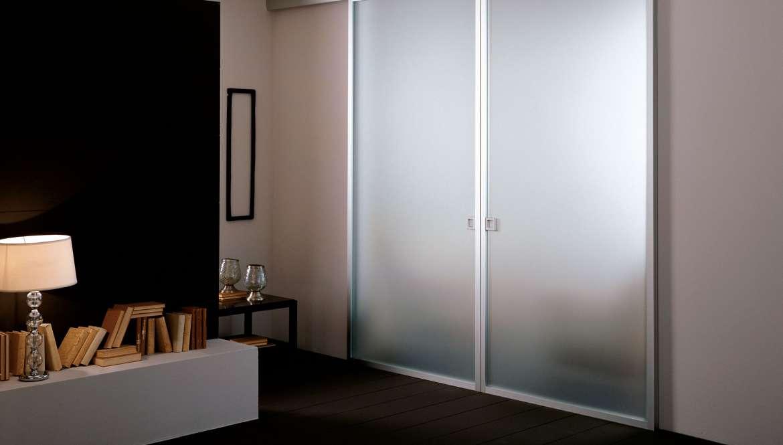 Ante in vetro con telaio in alluminio